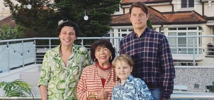 Nova serija: Tri  muškarca i tetka (sitkom)