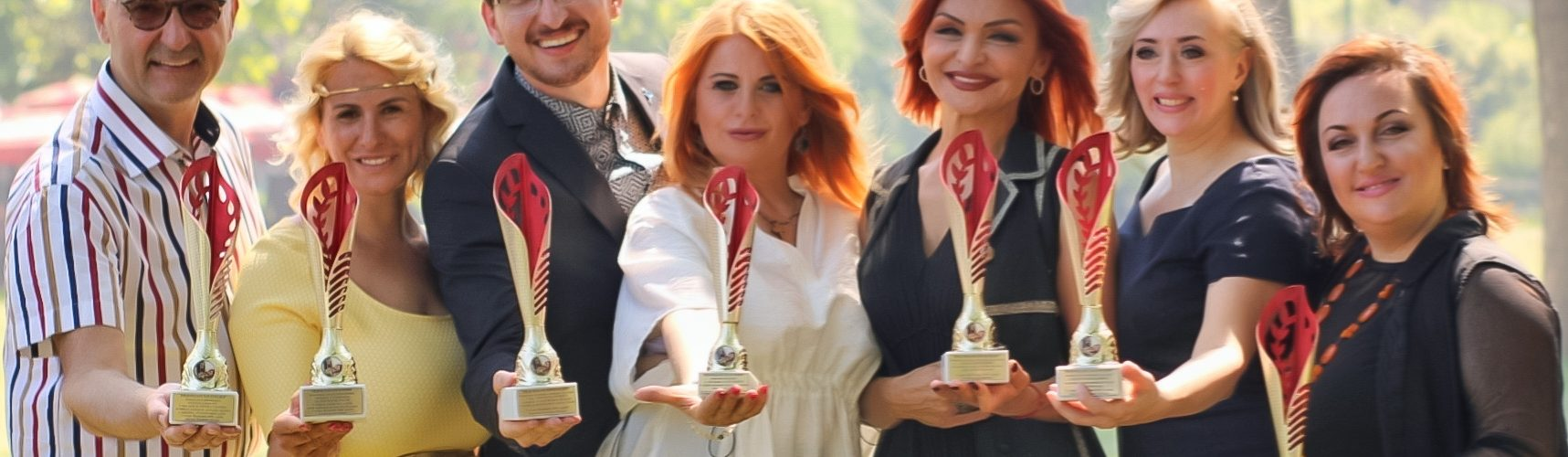 Vidovdanska priznanja u rukama zvezda Radio Beograda!