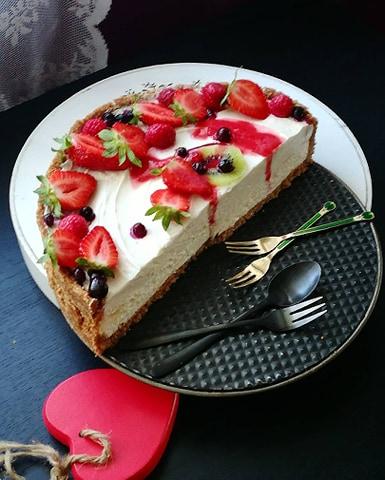 Cheesecake sa karamelom bez pečenja