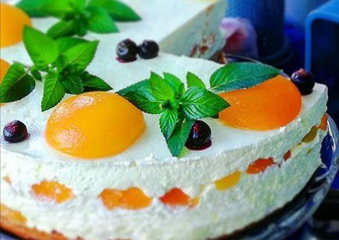Prava letnja poslastica: Vegan mousse torta sa kajsijama
