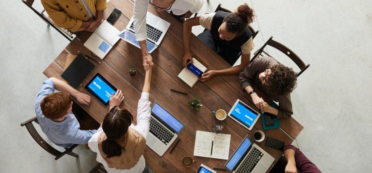 Empatija na poslu – 10 Načina da svom timu pružite empatiju