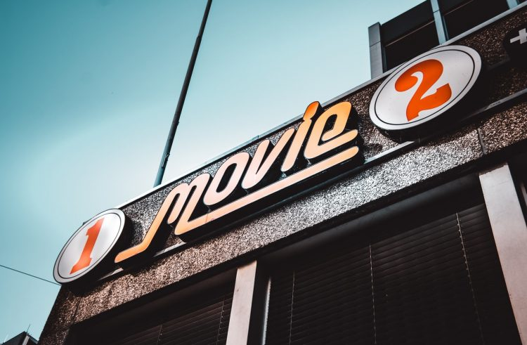 Kako se razvijala filmska industrija?