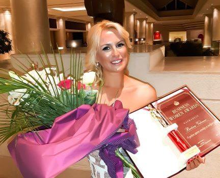 Srpska Merilin Monro slavi 15 godina saradnje sa medijima!