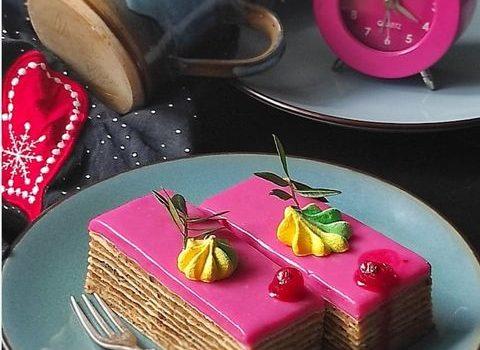 Poslastica: Rozen  torta (kolač)  sa bademom, makom i kikirikijem