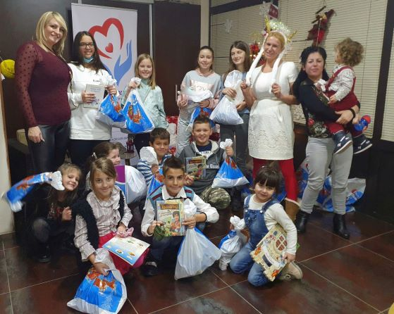 Paketićima do dečjih srca! Božica Velousis obradovala mališane!
