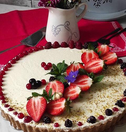 Poslastica za vas: Francuski mousse tart od crvenog voća sa belom čokoladom i mascarpone kremom