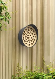 BEES HOTEL