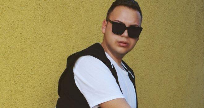 """Intervju: """"Moda je sastavni deo moje ličnosti čitav život"""" – David Ćurčić"""