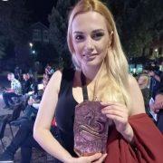 Film Odluka rediteljke Branke Bešević Gajić nagrađen je u Nišu i na Avant & Una Bihać Film festivalu